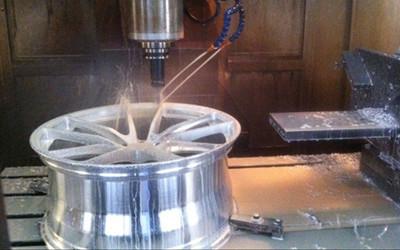Milling a wheel